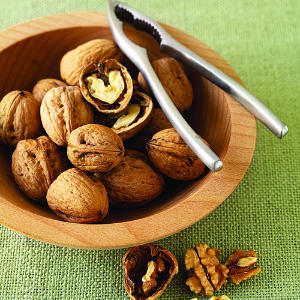 walnuts-bowl-m